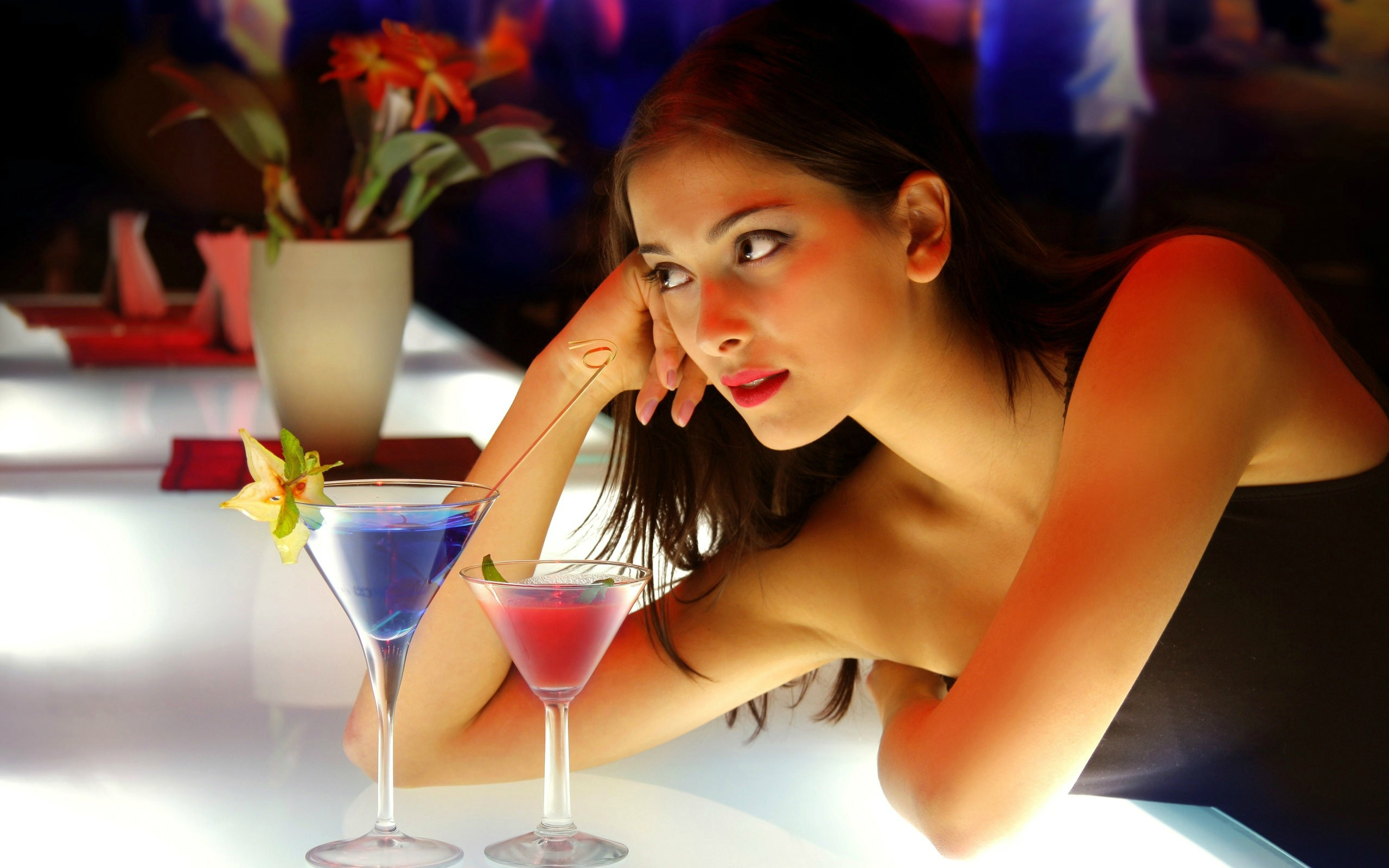 is it ok to go speed dating alone Should a christian use a dating service to  or take you somewhere where you will be alone  speed dating is where singles circulate systematically through.